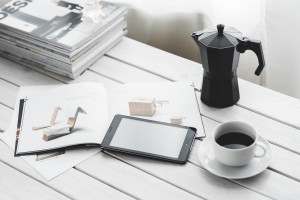 work_and_play_coffee_tablet_magazines